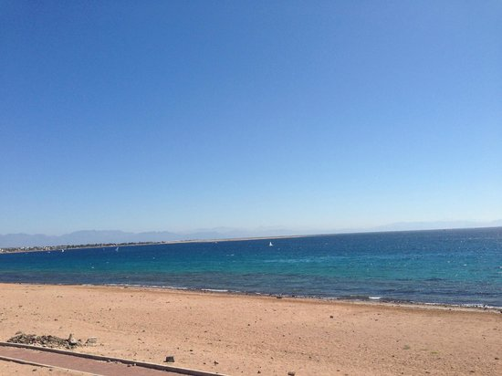 Le Meridien Dahab Resort:                                     beach