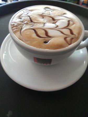 Lemon Tree Cafe & Bistro: beautiful cappuccino
