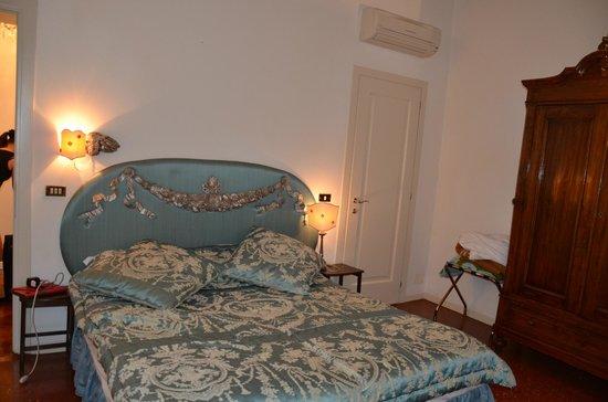 Ca' della Corte:                   Кровать