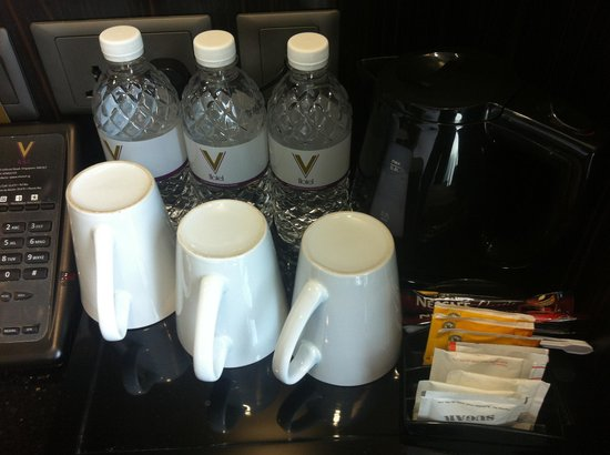 V Hotel Lavender:                                     Coffee and tea set