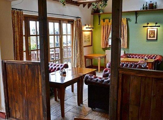 Leigh Arms:                   Interior dining area