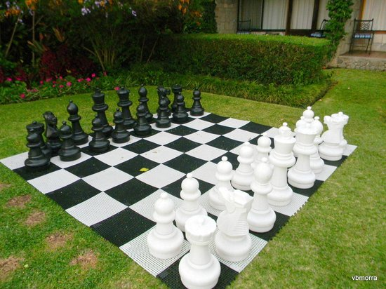 Hotel Atitlan:                   Chess game