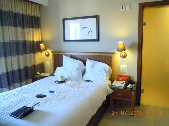 Dolmen Resort Hotel:                   room