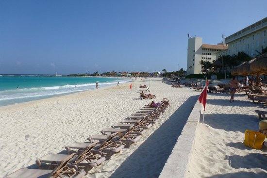 The Westin Resort & Spa Cancun:                   View to the south from the pool/beach area