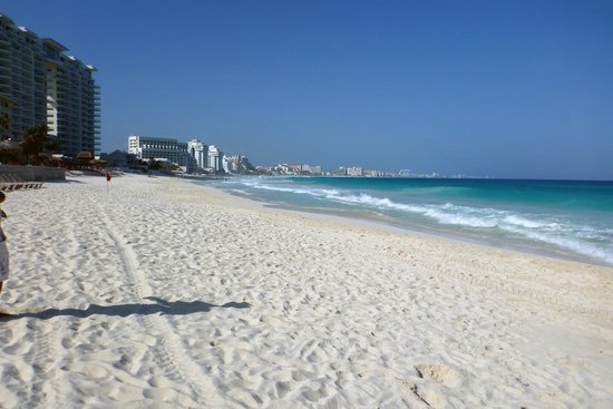 The Westin Resort & Spa Cancun:                   View to the north, towards the rest of the Cancun hotel zone