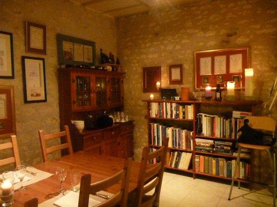 Le Calabash Petit Conservatoire de la Cuisine:                   Le Calabash books corner