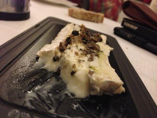 Restaurant Le Serac:                   бри с трюфелями