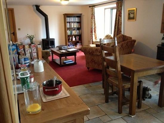 Stoop Farm Bed & Breakfast:                                     Guest lounge and breakfast room