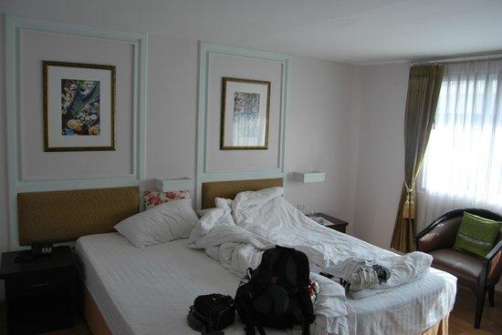 Vista Residence Bangkok:                   room
