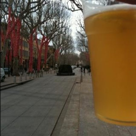 Cours Mirabeau :                   drink a beer in this nice avenue