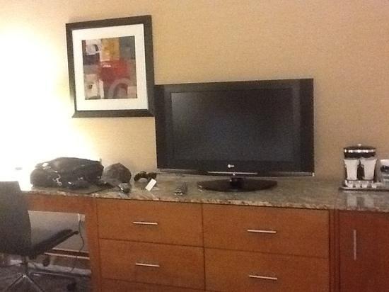 Hilton Shreveport:                   LG
