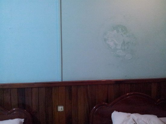 The Prohm Roth Inn:                   bedroom wall