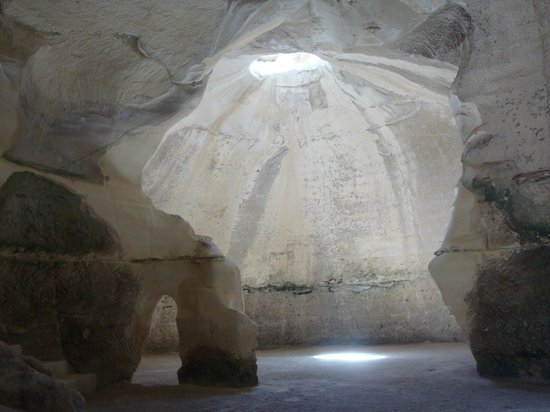 """Bet Guvrin-Maresha National Park:                   """"Bell cave"""""""