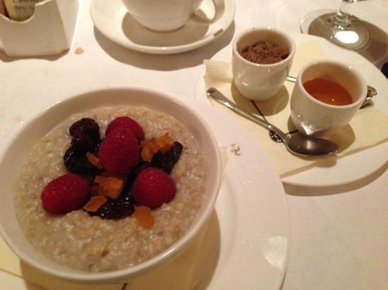 Monkey Bar:                   breakfast