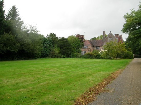 Unique British Day Tours:                   Tour of an English manor.