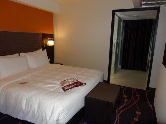 In Residence Bangkok Sukhumvit:                   ベッドルーム。寝心地はいいです。