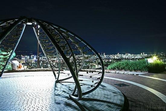 Venus Bridge :                   神戸ヴィーナスブリッジ
