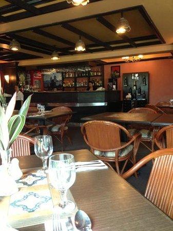 Days Hotel Cebu Airport:                   ресторан при отеле