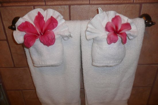 Coco Beach Resort:                   Beautiful flower in bathroom