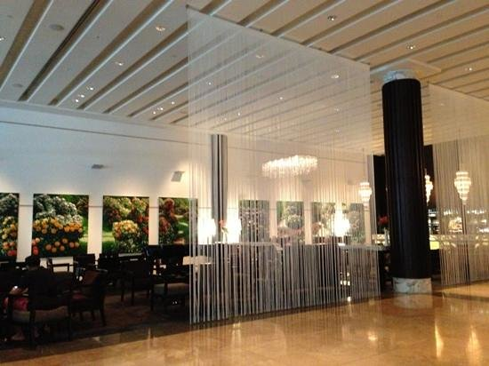 SKYCITY Grand Hotel:                   the lobby and lounge bar
