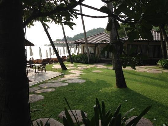 Impiana Resort Chaweng Noi :                   Beachfront villa