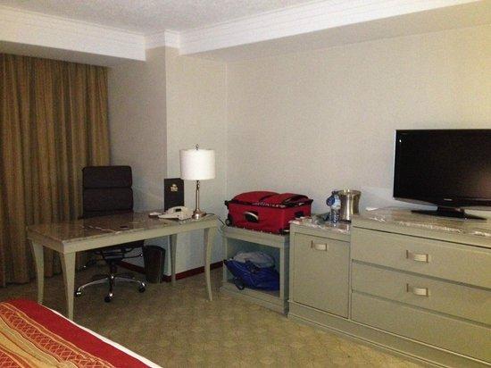Hilton Guadalajara:                   Room