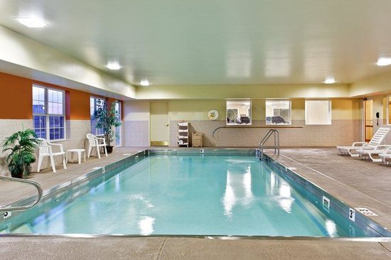 Country Inn & Suites By Carlson, Marion : CountryInn&Suites Marion Pool