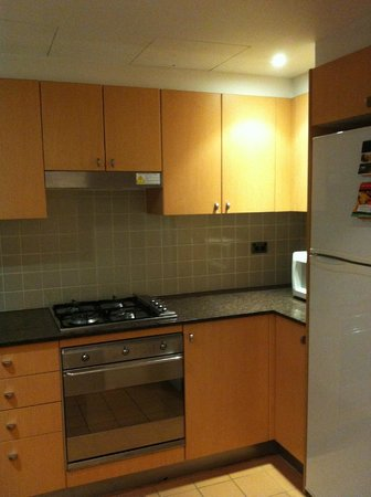 Medina Serviced Apartments Martin Place:                   Kitchen