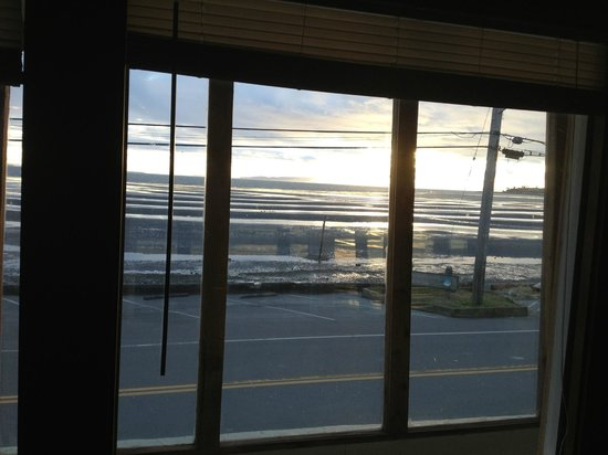 ‪‪Birch Bay Get Away‬:                   View of the sunset from the Eagle's Roost condo