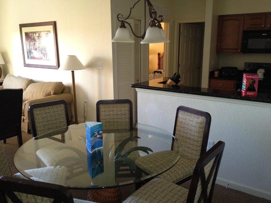 Lake Buena Vista Resort Village & Spa:                   Dining table room 5805
