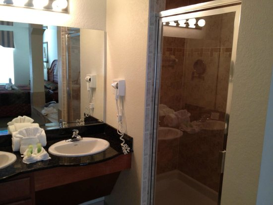 Lake Buena Vista Resort Village & Spa:                   Shower master bath room 5805