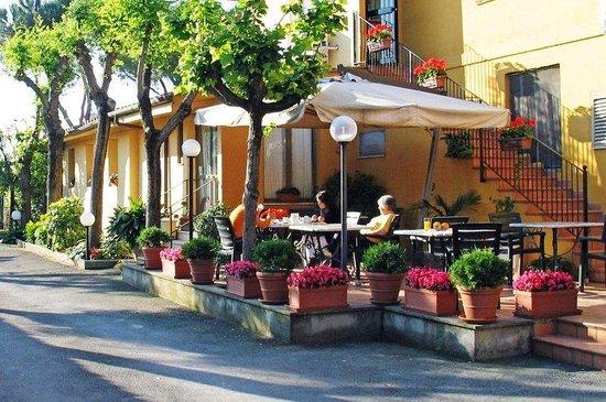 Photo of Hotel Orto di Roma Rome