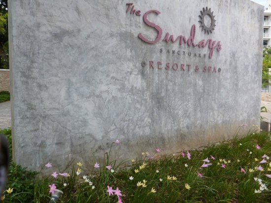 The Sundays Sanctuary Resort & Spa:                   outside