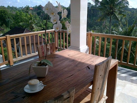 Sri Ratih Cottages:                   Room with a view