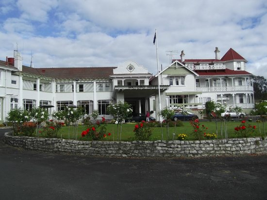 Waitomo Caves Hotel:                   gorgeous old place