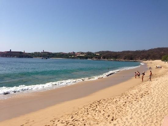 Barcelo Huatulco:                   The wonderful beach