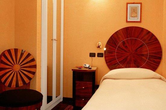 Hotel Gregoriana : Single room
