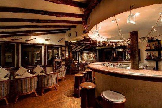 Club Himalaya: Bar