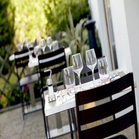 Campanile Evreux: Terrace