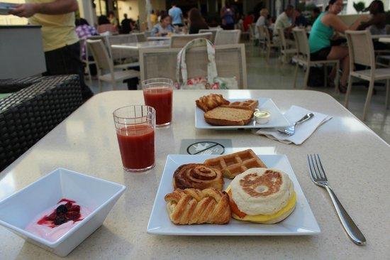 Hyatt Place Waikiki Beach:                   Complimentary breakfast                 