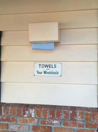 Peach Tree Inn:                   Motor Lodge Towel Dispenser