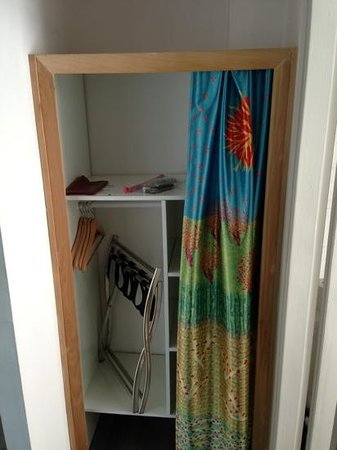 The Diaghilev, LIVE ART Suites Hotel:                   clothes closet