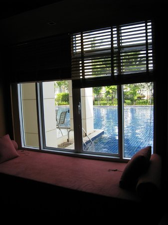 Blue Lagoon Resort Hua Hin:                   Master bedroom view