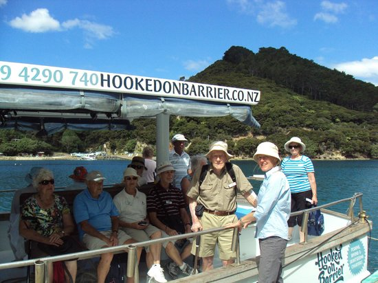 Go Great Barrier Island - Day Tours: Leisuretime Tours say goodbye to Emma after a visit to Glenfern Sanctuary