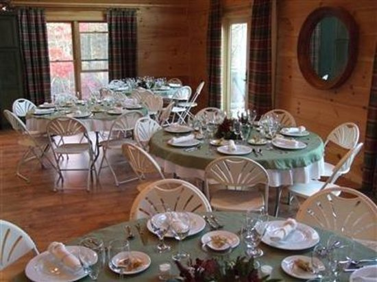 Paradise Hills Resort & Spa: Interior Dinning Room