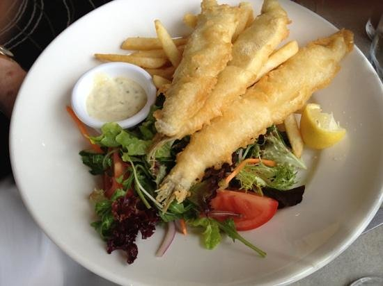 Lorne Hotel Bistro:                   fried whiting
