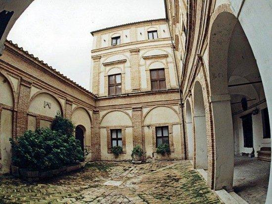 hotel della loggia bewertungen fotos matelica italien tripadvisor. Black Bedroom Furniture Sets. Home Design Ideas