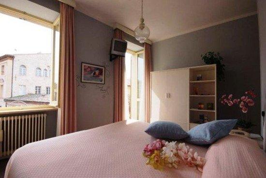 Hotel Della Loggia: GUEST ROOM