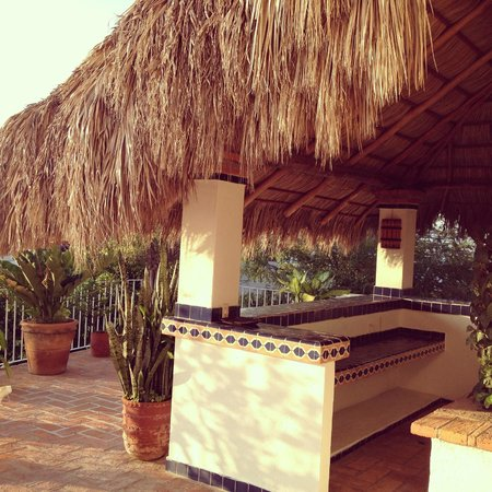 Casa de los Arcos:                                     Palapa Outdoor Bar