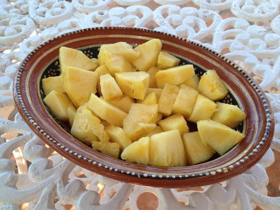 Casa de los Arcos:                                     Pineapple
